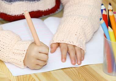 buntstifte f r kleinkinder das sollten sie beim kauf beachten. Black Bedroom Furniture Sets. Home Design Ideas
