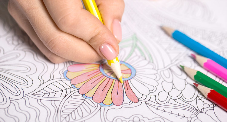 Adult coloring. Meditation with colored pencils | Reidinger.de